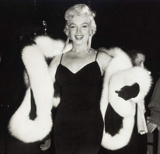 Marilyn_monroe_scialle_di_volpe
