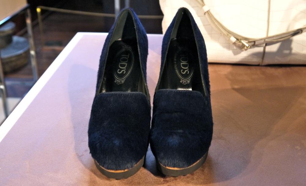 scarpe_in_pelliccia_tods_blu