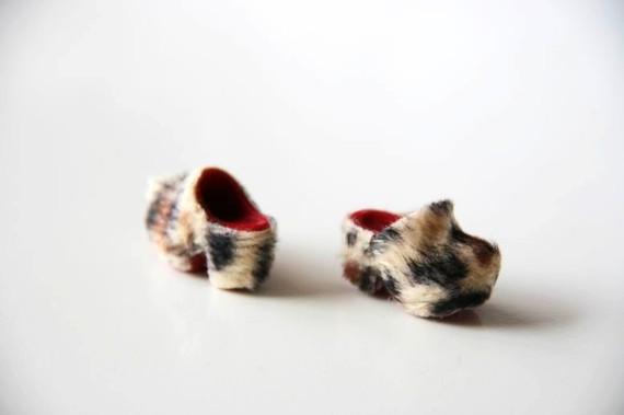 scarpe_pelliccia_maculata