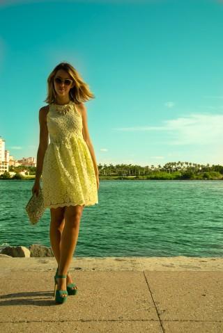 miami_beach_lady_fur_blogger