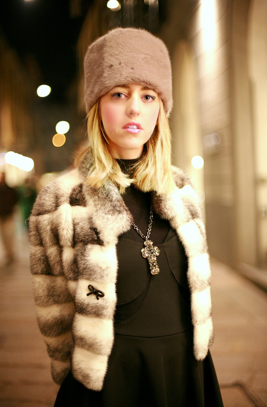lady_fur_mink_hat