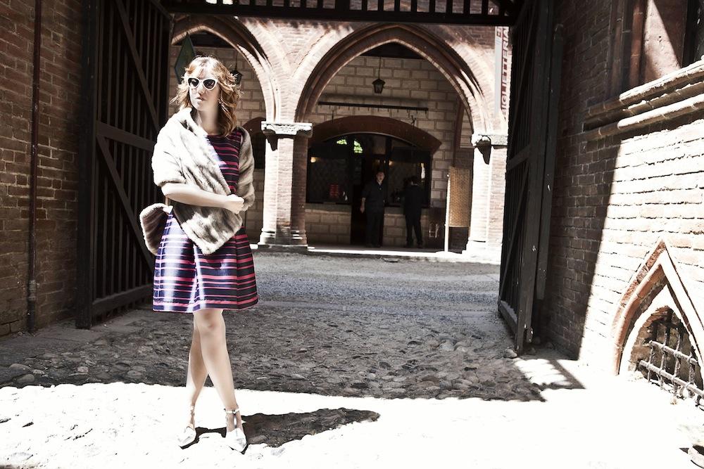 la-blogger_di_moda_e_pellicce_lady_fur_al_castello_del-valentino_indossa_una_stola_di-visone