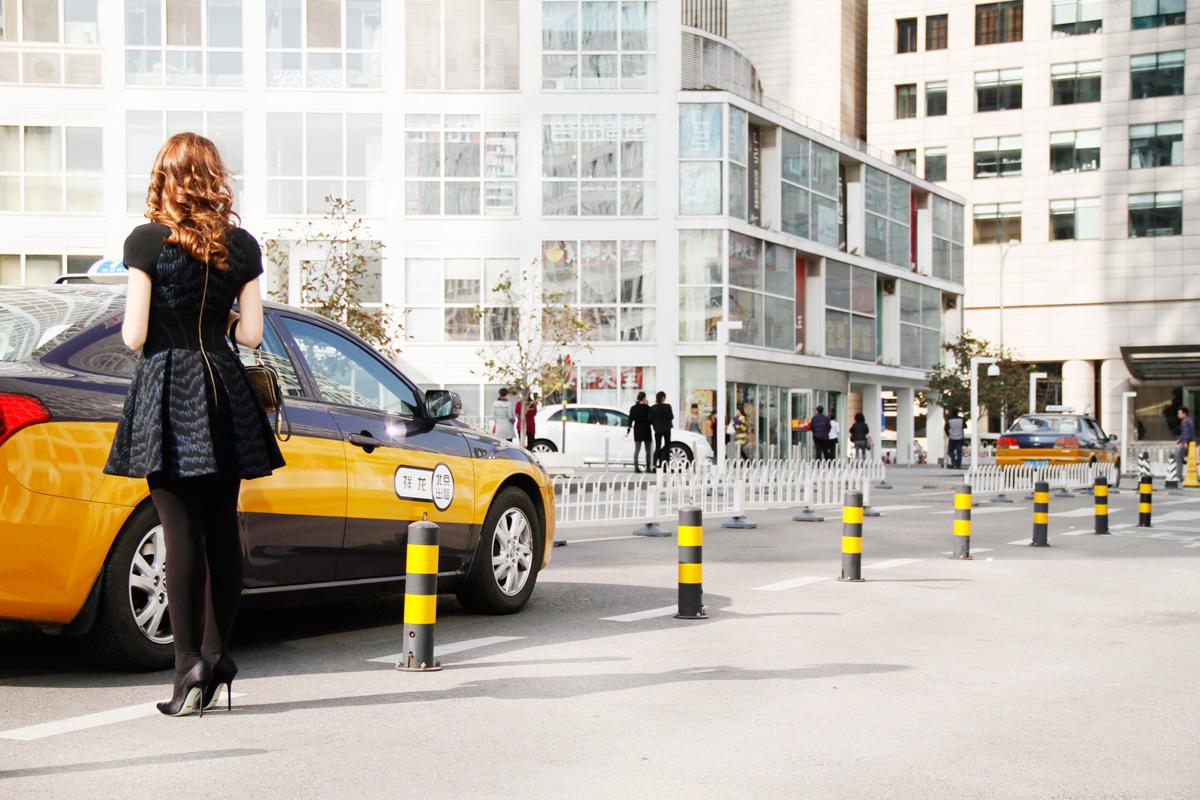 taxi beijing cina lady fur