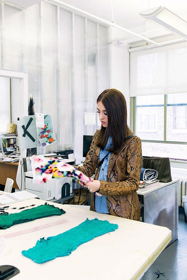 lady fur lavorazione pelli colorate