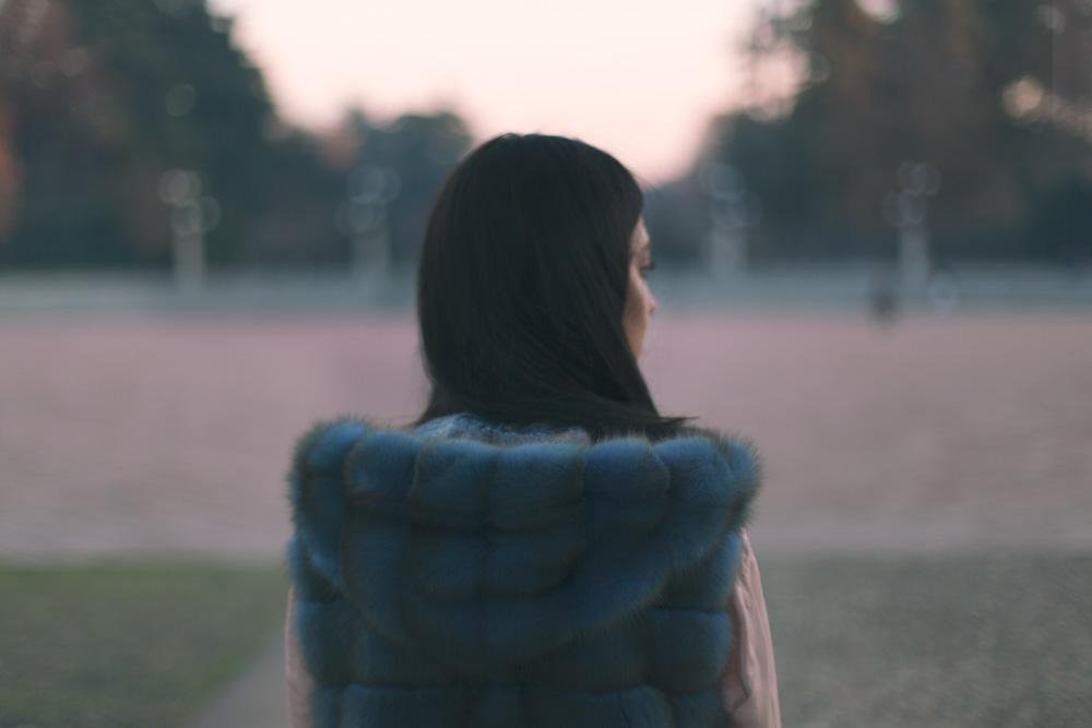 pelliccia con cappuccio indossata da lady fur
