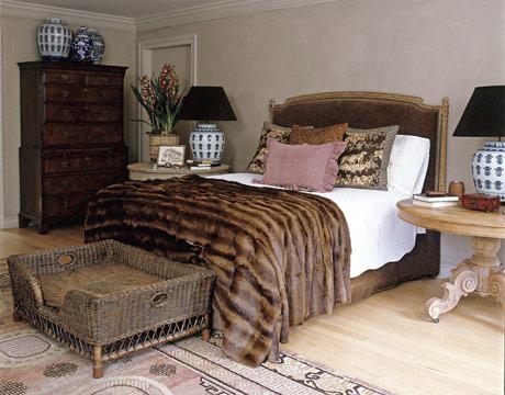 Arredamento in pelliccia di case lussuose - Camera da letto fendi ...