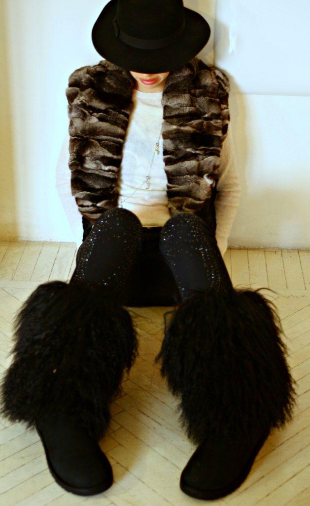 stivali in pelliccia ugg neri con pelo in mongolia
