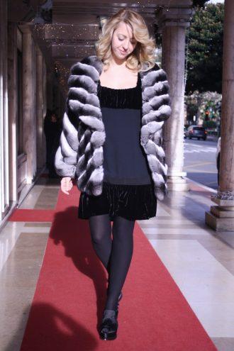 lady_fur_chinchilla_coat