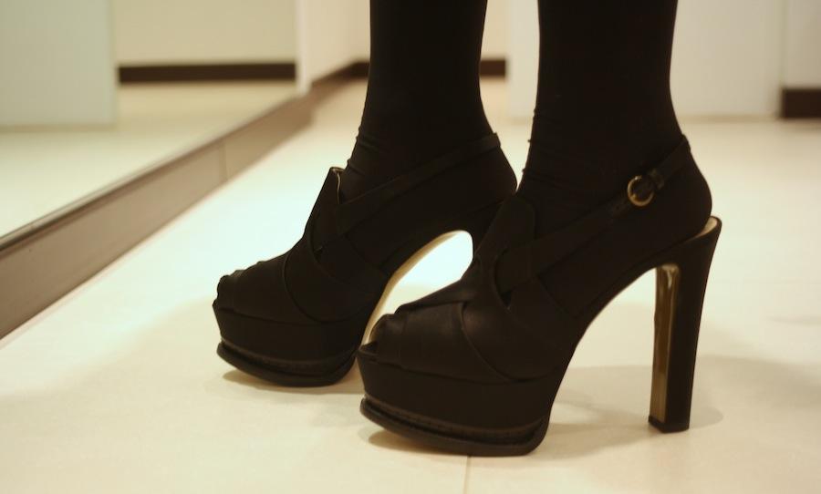 scarpa_col_tacco_pelliccia_visone