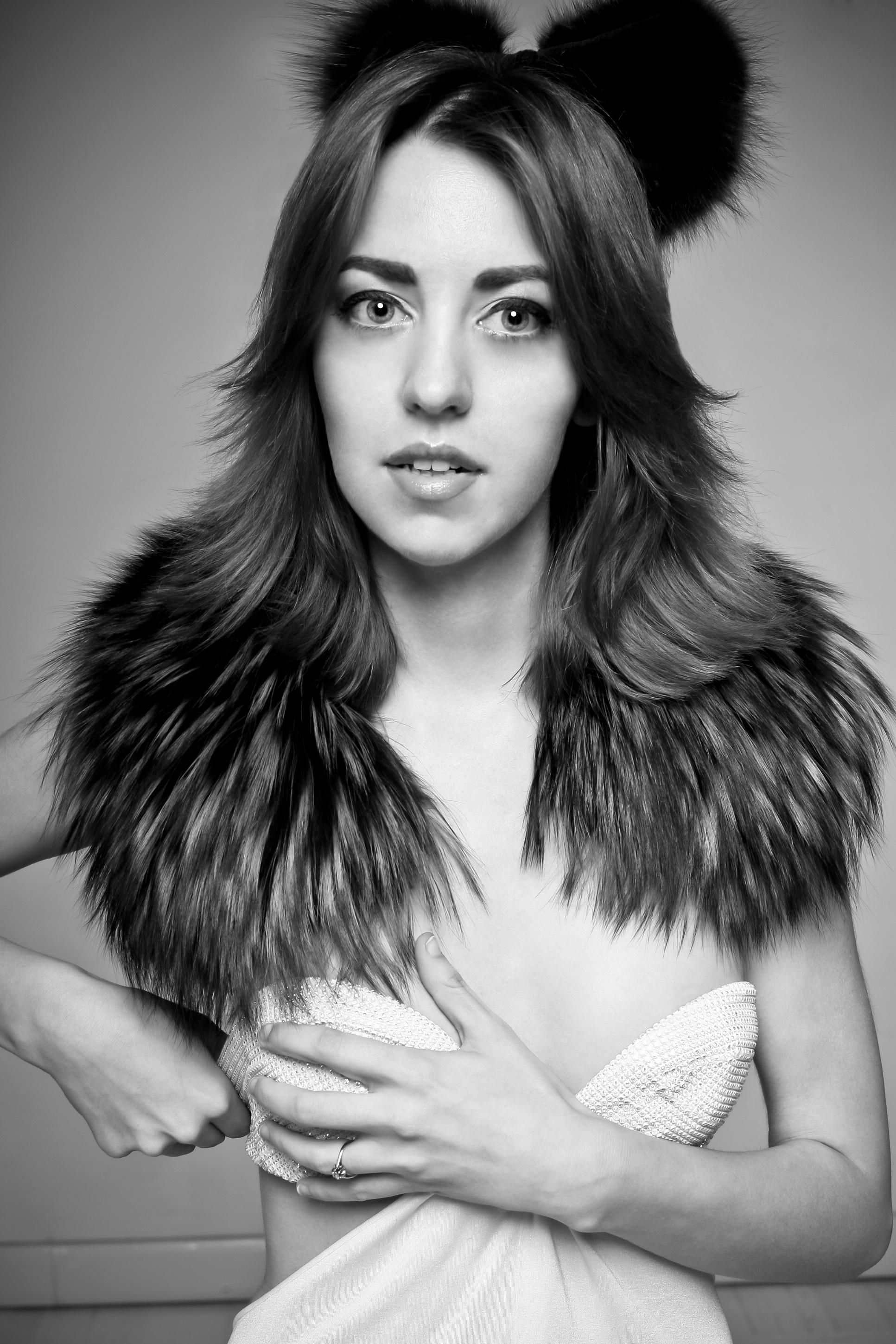 lady_fur_