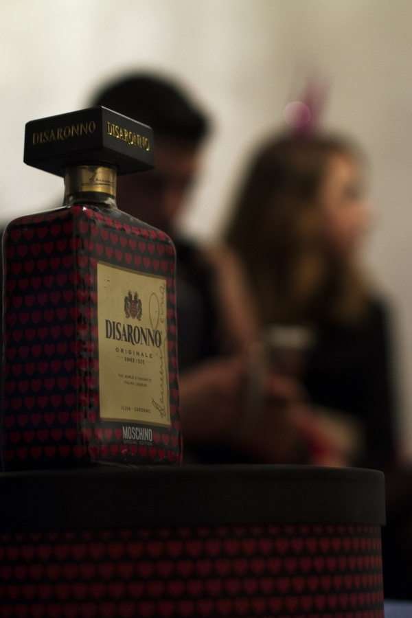 Optimized-moschino_loves_disaronno_end