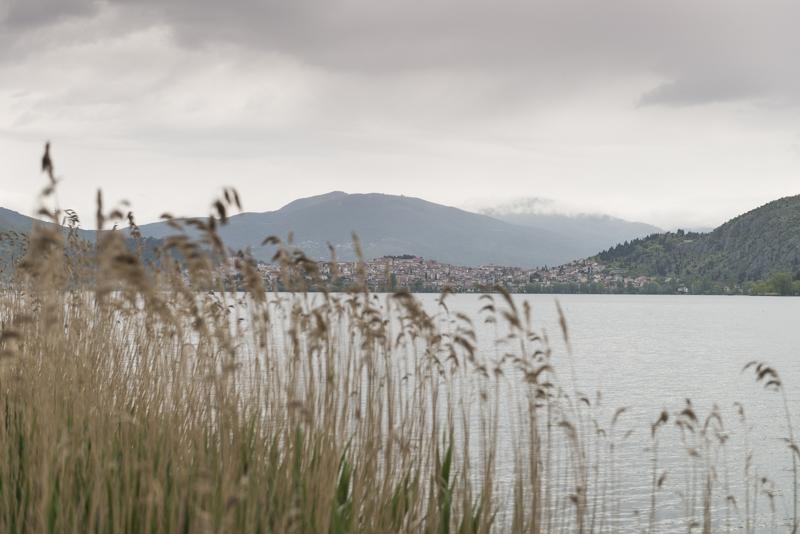 kastoria_lago_città