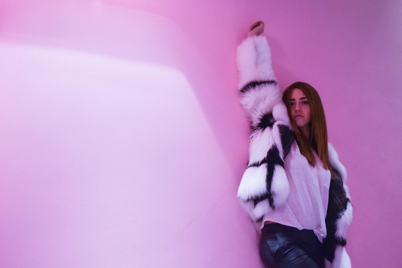 foto settimana della moda di milano autunno inverno 2015 16 lady fur pelliccia di volpe