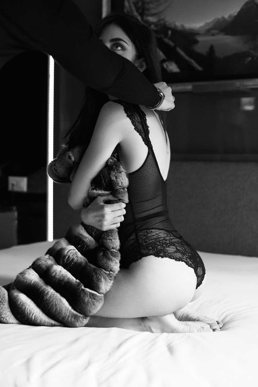 pelliccia di cincillà e lingerie