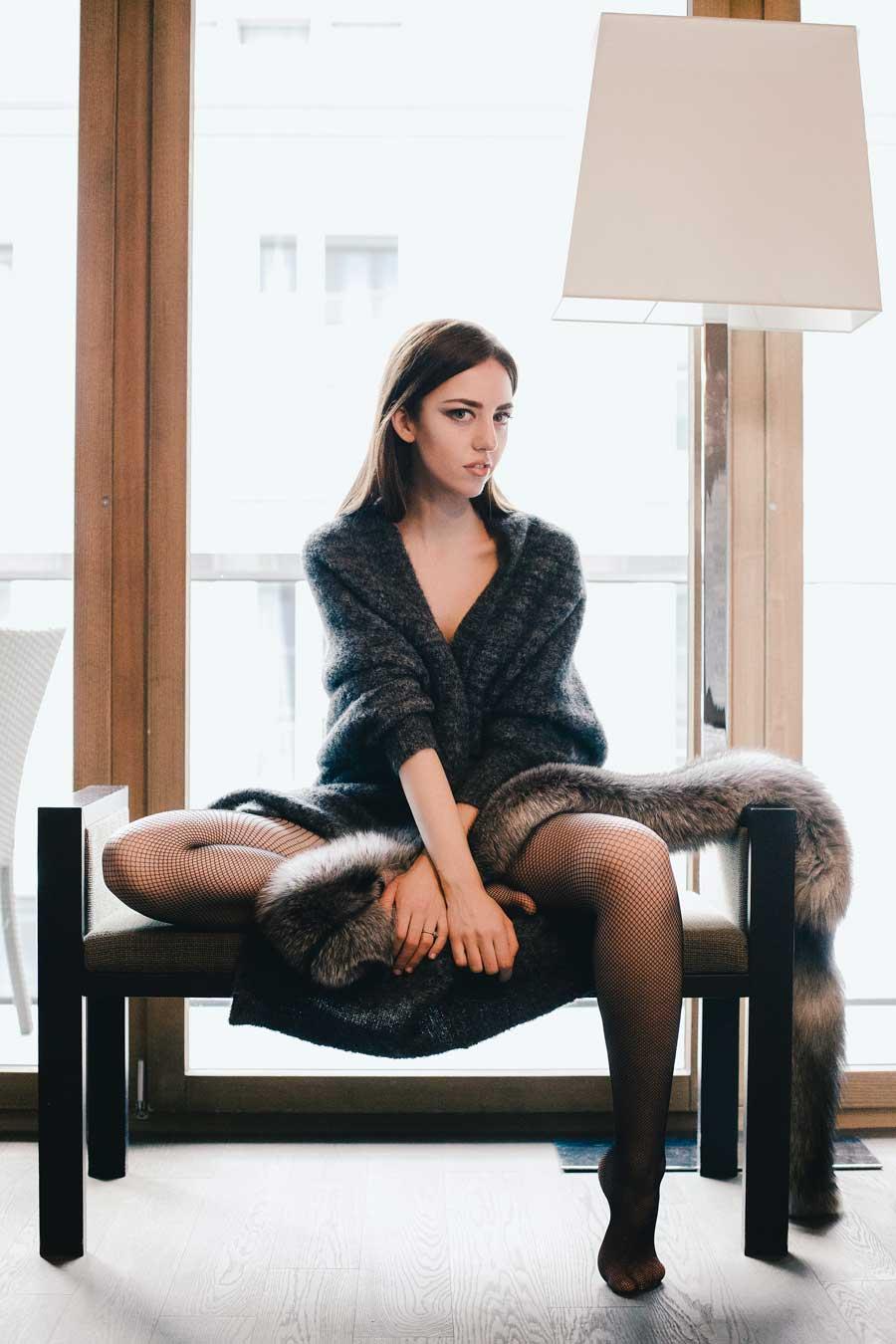 maglia di lana con pelle di volpe pelliccia