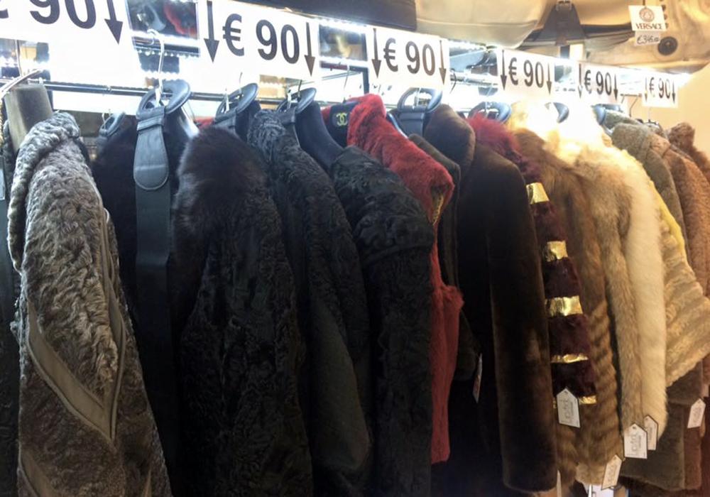 new style 0cfa9 82032 Pellicce Milano: dove comprare capi spalla in pelle ...