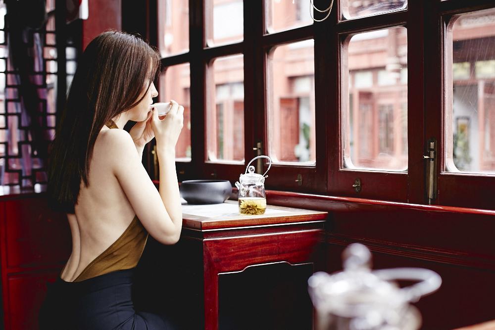 lady fur beve te a shanghai