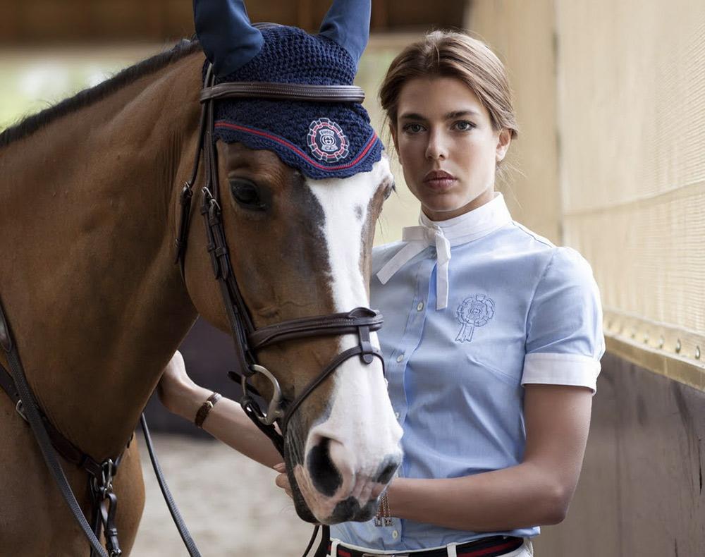 Charlotte Casiraghi look equitazione