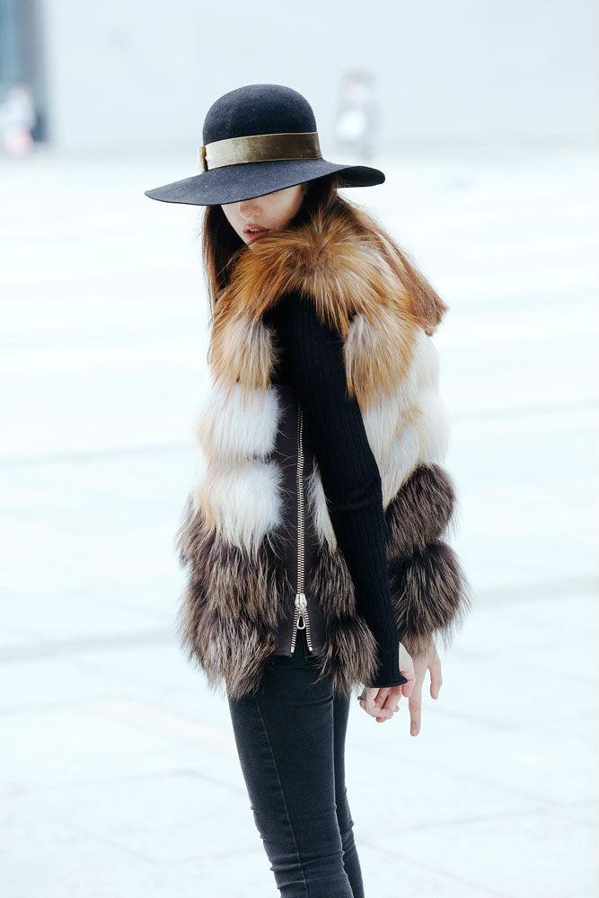 lady fur a shanghai indossa pelliccia di volpe punto