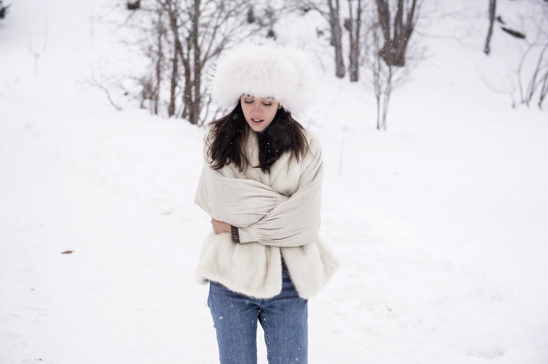 cappello in pelliccia di volpe bianco